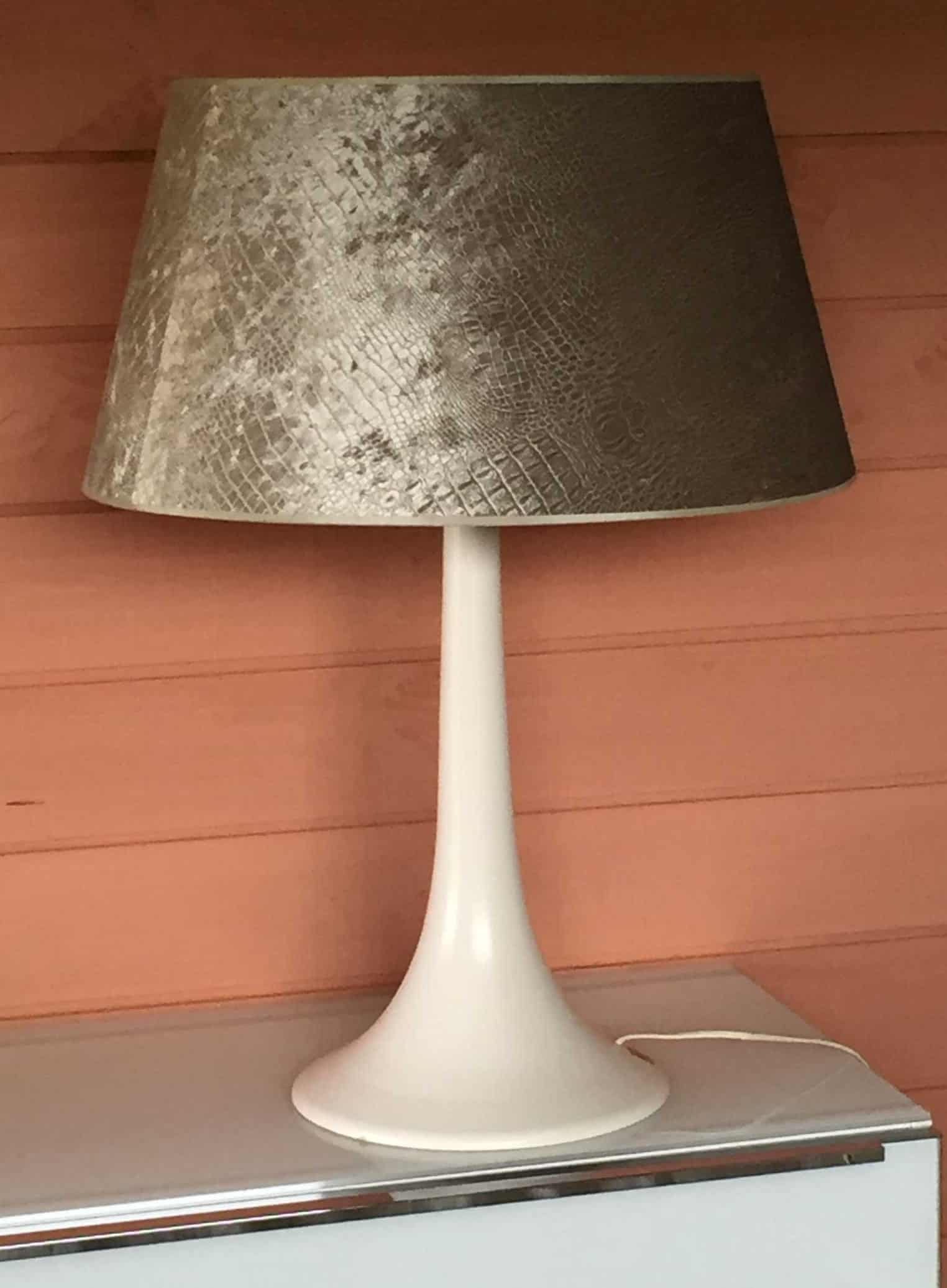 Lampe blanche design brocante decoration - Lampe design blanche ...