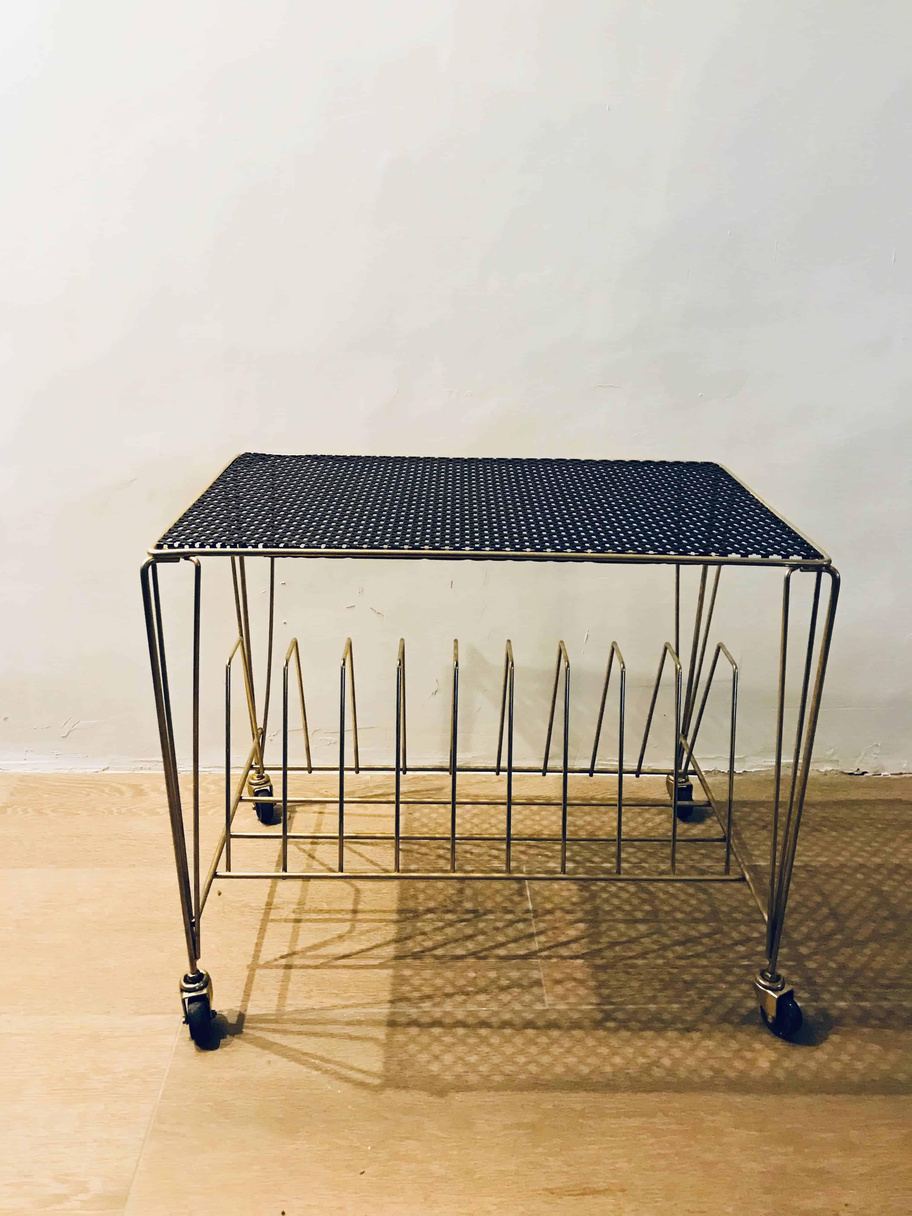 Table-Vinyles-Mategot