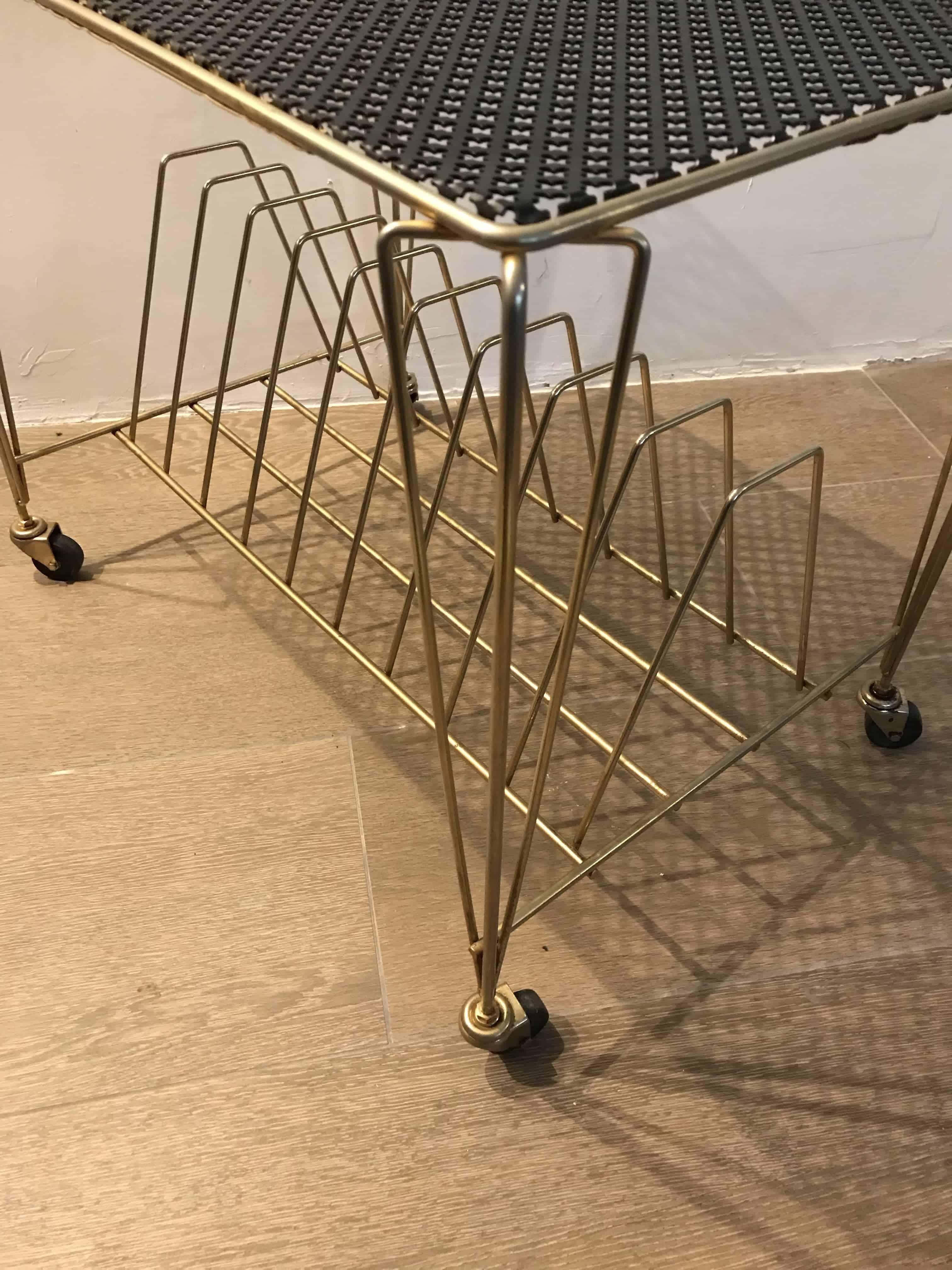 Table-vinyles-mategot-profil